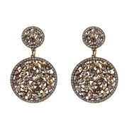 ( Gold) retro palace wind Pomegranate more earrings  trend retro