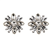 ( white)flowers diamond Earring     crystal earrings