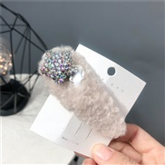 ( Beige)Autumn and Winter velvet velvet hair clip  pure color Five-pointed star fully-jewelled  triangle star
