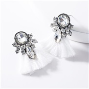 ( white) occidental style exaggerating Acrylic diamond tassel earrings woman retro temperament Bohemia ethnic style