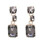 ( gray) gem earring o...