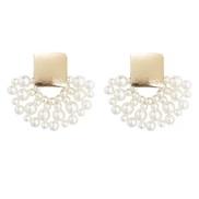 Korea temperament sector Pearl earrings woman personality all-Purpose fashion Ladies ear stud