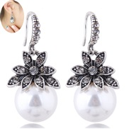 ( white ) fine  Korean style fashion classic earring  concise flowers Pearl temperament woman personality earrings