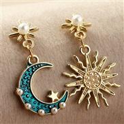 (EZ jinse) occidental style fashion Alloy enamel embed Pearl asymmetry sun Moon earrings