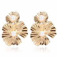 ( Gold) occidental style fashion Metal flowers earrings brief retro Irregular flowers arring womanF