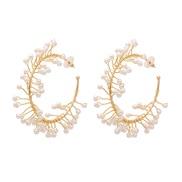( white) Metal circle twining Pearl earrings fashion temperament Korea personality trend ear stud woman