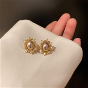 ( Silver needle  Gold)silver Pearl Round ear stud Korea temperament brief Pearl Earringins retro earrings Earring