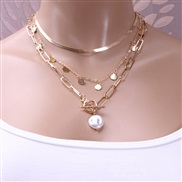 ( Gold  necklace)occi...