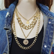 (  Gold  necklace)occ...