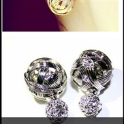 Korean fashion wear double-sided metal wire ball earrings