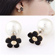 Korean fashion boutique sweet personality flowers pearl earrings OL Petty