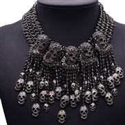 Europe and the United States exaggerated short clavicle chain necklace female skull retro fashion with big fake collar