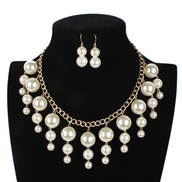 fashion Pearl necklace lady occidental style short style tassel clavicle chain