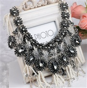 European and American big retro fashion gem exaggerated tassel pearl necklace big accessories