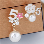 fine  Korean style fashion  sweetOL all-Purpose5 Word Pearl flowers personality asymmetry temperament ear stud