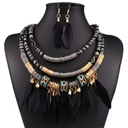 occidental style luxurious fashion high-end multilayer Alloy feather tassel necklace