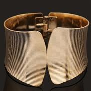 Europe and yarn spring grain golden bracelet bracelet high-end fashion