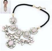 European and American fashion bohemian beauty metal droplets temperament exaggerated luxury pink stones rope necklace pr