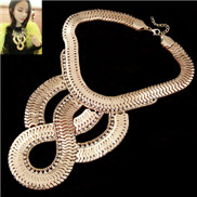 (Gold) European and American fashion CRiEW DnQueen scale films prepared simple flash diamond luxury small chili with par