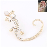 European and American fashion metal gecko personalized flash diamond ear hook earrings